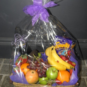 Fruit, Champagne and Chocolate Hamper